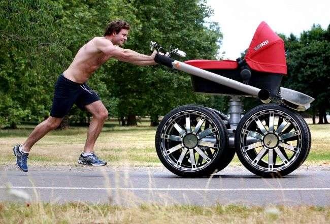 Самая большая детская коляска в мире!